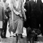 1931_Josephine-Baker-takes-her-pet-cheetah-Chiquita-for-a-walk-1931