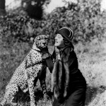 1949_Explorer-Osa-Johnson-and-her-much-loved-pet-cheetah-Bong-1949-520x607