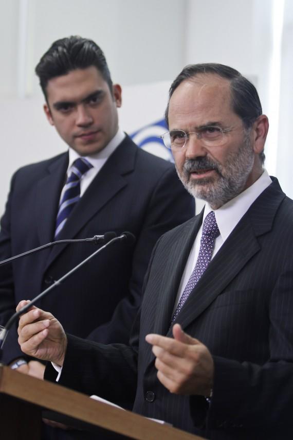 El presidente nacional del PAN, Gustavo Madero, con Jorge Romero. Foto: Cuartoscuro