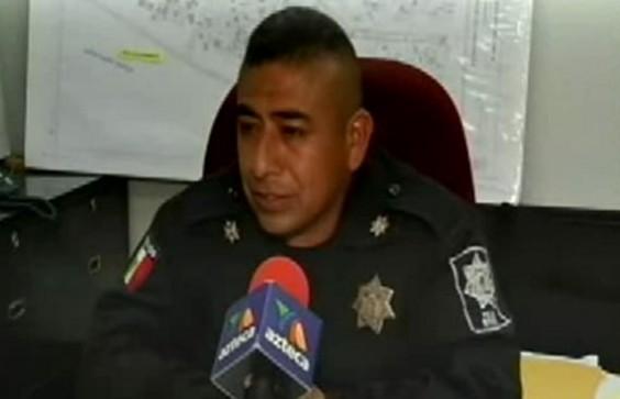 policía condón
