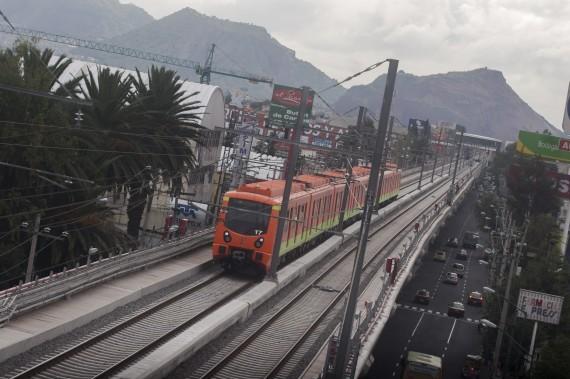 Certificadora alemana recomienda cambiar trenes de la L12. Foto: Cuartoscuro