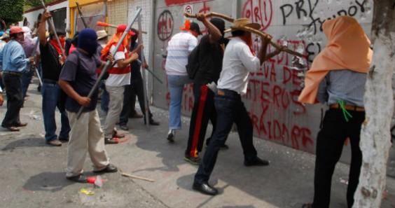 Causaron severos daños a las sedes de partidos políticos. Foto: Cuartoscuro