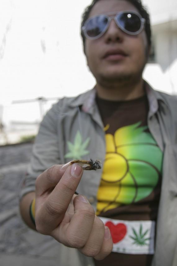 Legislación a favor del libre consumo, venta y comercialización de la marihuana genera conflicto entre perredistas. Foto: Cuartoscuro