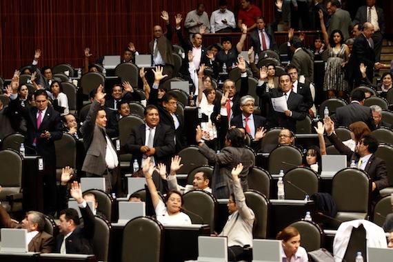 La c mara de diputados aprueba los art culos no reservados for Camara de diputados leyes