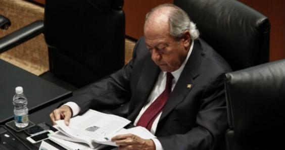 Además de líder sindical, Romero Deschamps es Diputado. Foto: Cuartoscuro