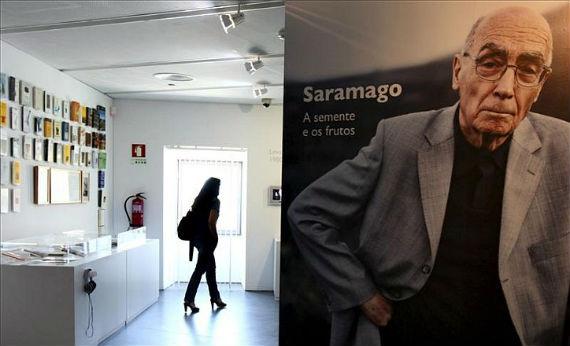 José Saramago, presente en la Feria del Libro de Bogotá (Foto: EFE)