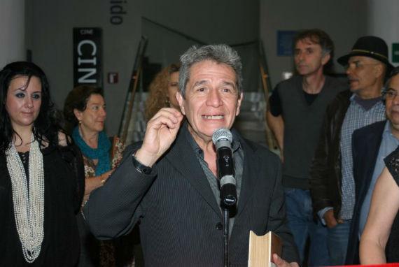 Rogelio Cuellar en la inauguración de la muestra dedicada a Rayuela (Foto: Francisco Cañedo, SinEmbargo)