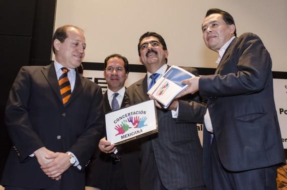 """En enero de este año, Concertación Mexicana"""", encabezada por Manuel Espino, ex miembro del Partido Acción Nacional (PAN), inició el trámite para obtener el registro como partido político. Foto: Cuartoscuro"""