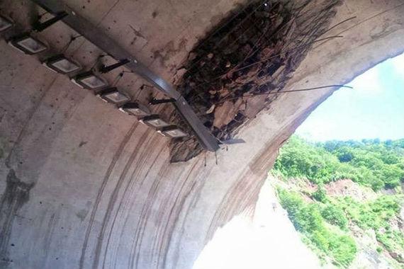 """Daños en la instalación eléctrica del túnel """"La Piedra"""". Foto: Cortesía."""
