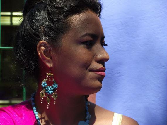 Alejandra Robles, la cantante morena de la Costa Chica (Foto: Cortesía Grau Serra)