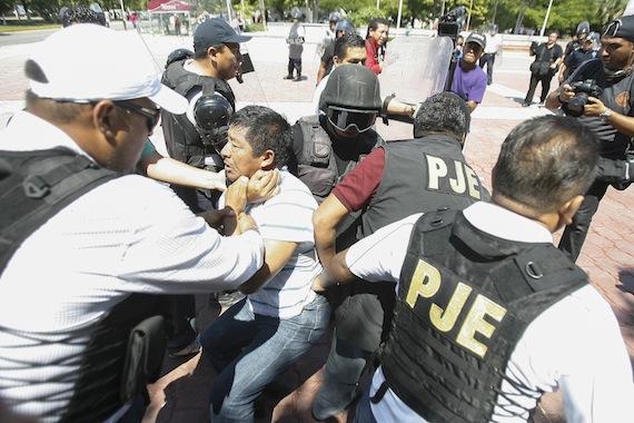 ONGs han denunciado la repsonsabilidad de cuerpos policiacos en cientos de desapariciones. Foto: Cuartoscuro