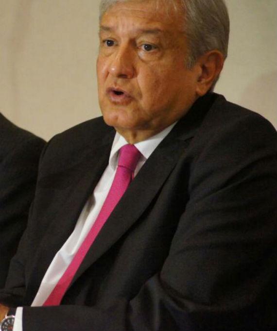 El líder de Morena, Andrés Manuel López Obrador, dice que pintará su raya con el PRD. Foto: Rebeca Argumedo, SinEmbargo