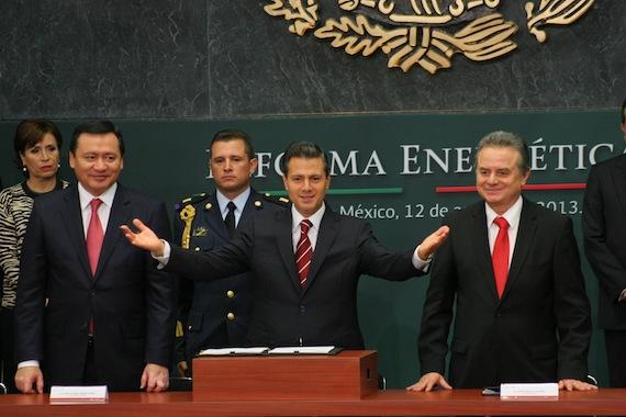 Las metas de Peña Nieto son inalcanzables, coincide estudio de la prestigiosa Universidad y perredistas. Foto: Francisco Cañedo, SinEmbargo