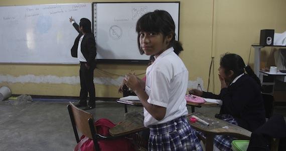 Autoridades rechazaron que un profesor de Oaxaca gane más que el Presidente. Foto: Cuartoscuro