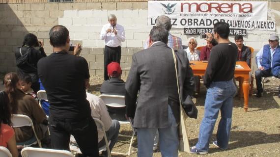 El líder de Morena, Andrés Manuel López Obrador, en su visita a Baja California en marzo de 2013. Foto: Cuartoscuro