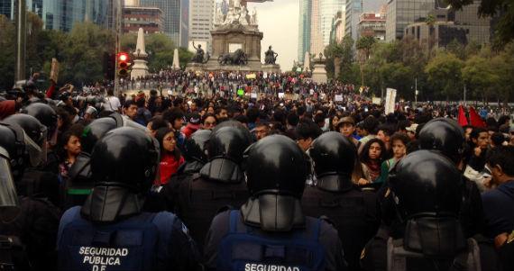 Protestas por la aprobación de la Reforma Energética. Foto: Antonio Cruz, SinEmbargo