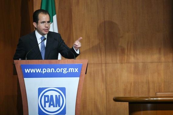 Petróleos Mexicanos (PEMEX) demandó ante una corte de Nueva York, en Estados Unidos a César Nava. Foto Cuartoscuro.