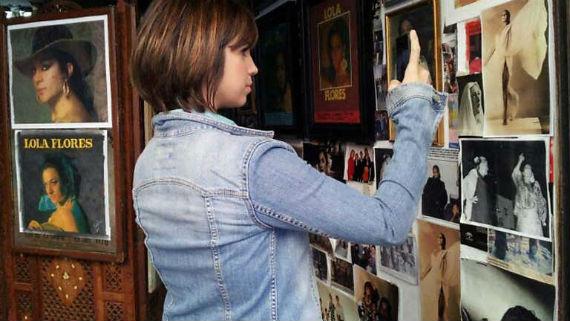 La nieta de la Faraona, Elena Furiase, conduce el relato del documental. Foto: TVE