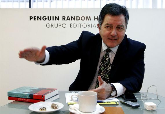 El escritor es diplomático y actual ministro de Chile. Foto: Notimex