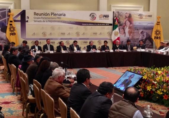 Plenaria del PRD con la participación del Padre Solalinde. Foto: Antonio Cruz, SinEmbargo