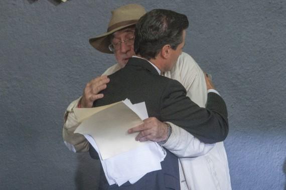 En enero de 2013, Javier Sicilia acudió a Los Pinos donde el jefe del Ejecutivo celebró la publicación de la Ley de Victimas en el Diario Oficial de la Federación. Foto: Cuartoscuro