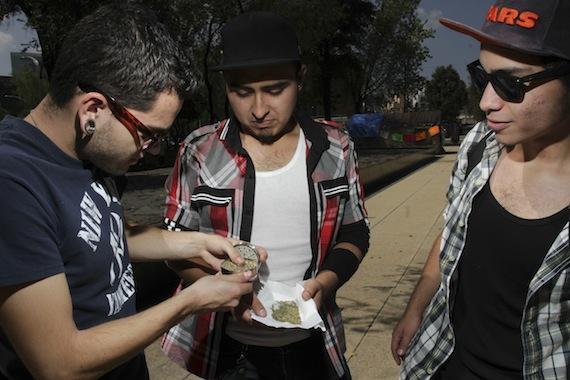 La iniciativa está enfocada en el usuario de la mariguana y no contempla a los distribuidores: PRD Foto: Cuartoscuro