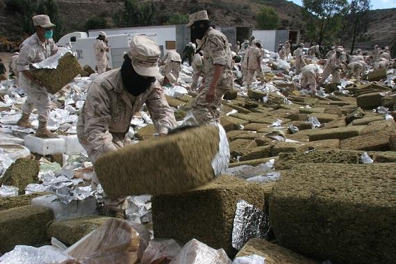 Algunos grupos de militares han competido por las rutas del trasiego de droga hacia Estados Unidos. Foto: Cuartoscuro