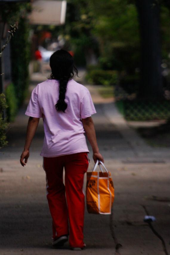 Empleadas dom sticas trabajan en condiciones de for Contrato para empleada domestica