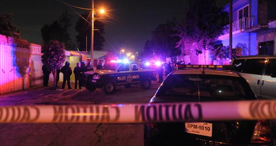 12 de febrero. Tres hombres son asesinados a balazos en la colonia Santa María de Guadalupe La Quebrada. Foto: Cuartoscuro