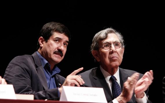 Javier Corral y Cuauhtémoc Cárdenas en la presentación del Frente por la Comunicación Democrática. Foto: Francisco Cañedo, SinEmbargo