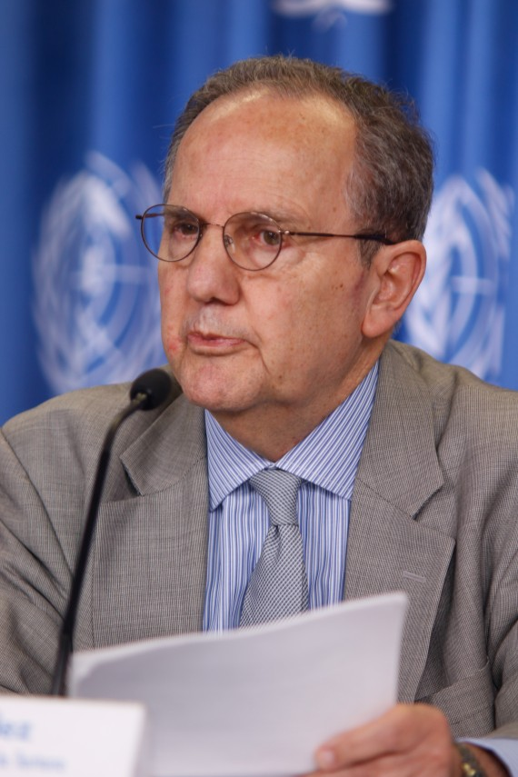 Juan E. Méndez, relator de la ONU, expone la tortura en México. Foto: Francisco Cañedo, SinEmbargo