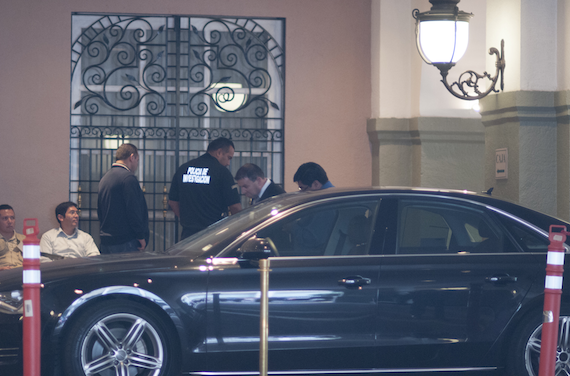 Personal de la PGJ, acudieron al hotel Four Season, después de ser reportado un intento de robo. Foto: Cuartoscuro.