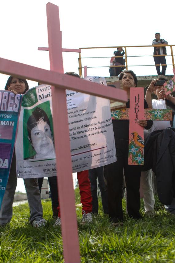 Familiares de víctimas de feminicidios en Edomex realizan recorrido en la entidad. Foto: Francisco Cañedo, SinEmbargo