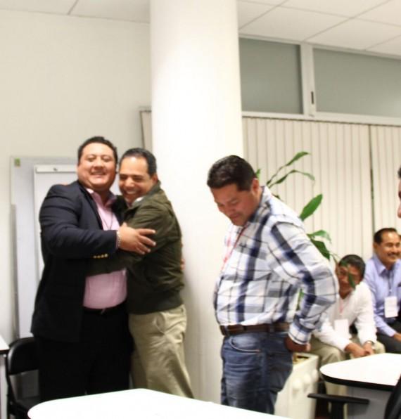 Sergio Rodriguez y Rogelio Franco con Carballo Delfin, Secretario de Desarrollo Social del gobierno de Duarte. Foto: Especial