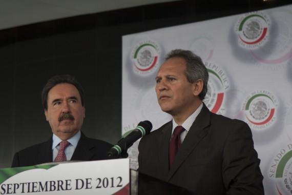 Emilio Gamboa Patrón y Gerardo Sánchez en conferencia de prensa por la creación de la comisión anticorrupción. Foto: Cuartoscuro