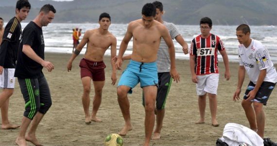 Mujeres venezolanass latinas desnudas en la playa 35