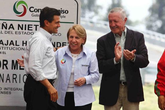 El Presidente Enrique Peña Nieto con el empresario español José Andrés de Oteyza, Presidente de la Constructora OHL en México. Foto:Cuartoscuro