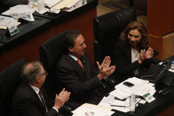 El coordinador de los senadores priistas, Emilio Gamboa Patrón, durante las sesiones de este fin de semana. Foto: Francisco Cañedo, SinEmbargo