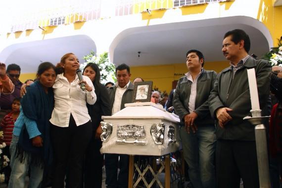 Funeral de menor Luis Alberto Tehuatlie Tamayo, en Chalchihuapan. Foto: Francisco Cañedo, SinEmbargo
