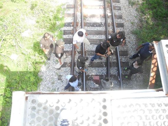 Activistas, fotógrafos y camarógrafos fueron agredidos por agentes fronterizos. Foto: Albergue Hermanos en el Camino.