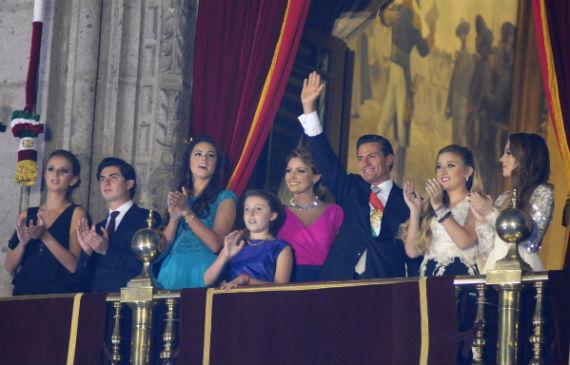 Vestir A La Familia Presidencial No Fue Barato Sinembargo Mx
