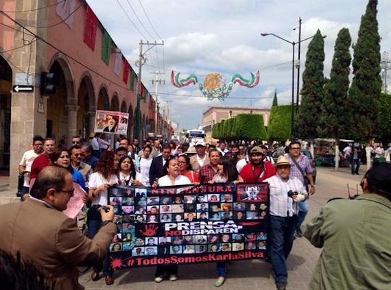 El gremio periodístico unido por #TodosSomosKarlaSilva no nos dejaremos intimidar #BastaDeImpunidad. Foto: Twitter.