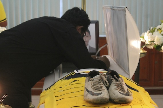 Velorio del menor David Josué Evangelista, el futbolista del equipo local Los Avispones, víctima de las balceras de ayer en Iguala. Foto: Cuartoscuro