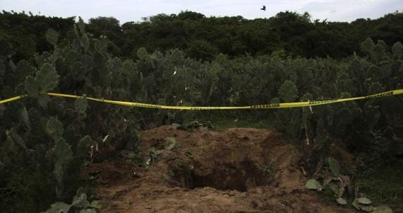UPOEG hallan al menos 10 fosas en Iguala. Foto: Cuartoscuro