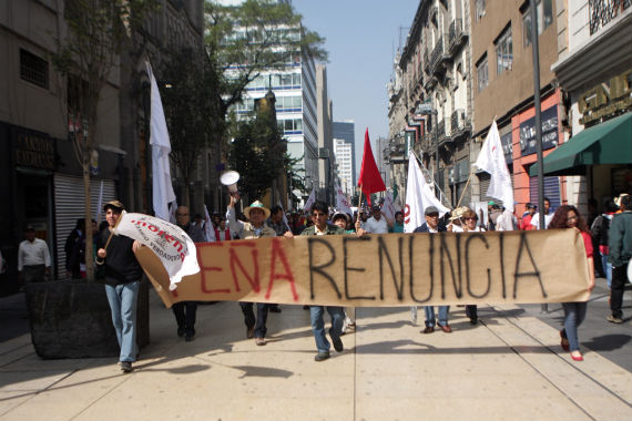 Cientos de personas acudieron el domingo el mitin convocado por Morena. Foto: Francisco Cañedo, SinEmbargo