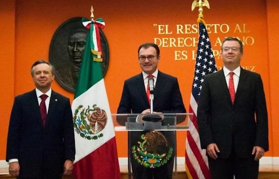 El Secretario de Hacienda durante su viaje a Washington, donde asistió a la asamblea anual del Fondo Monetario Internacional y el Banco Mundial (BM). Foto: Twitter @LVidegaray