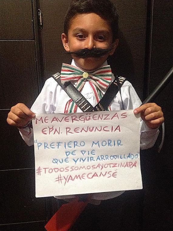 Niños con Ayotzinapa.