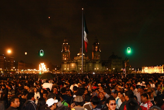 El Zócalo capitalino presentó un lleno inédito. Foto: Antonio Cruz, SinEmbargo