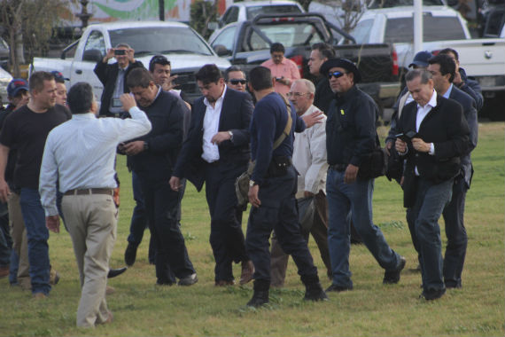 Hipolita Mora durante su entrega a las autoridades. Foto: Cuartoscuro
