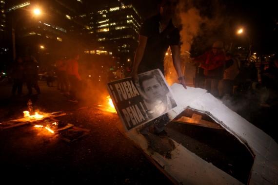 El caso Ayotzinapa ha provocado baja en la credibilidad del Presidente. Foto: Francisco Cañedo, SinEmbargo